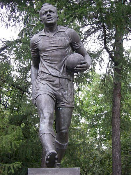 ussr streltsov statue